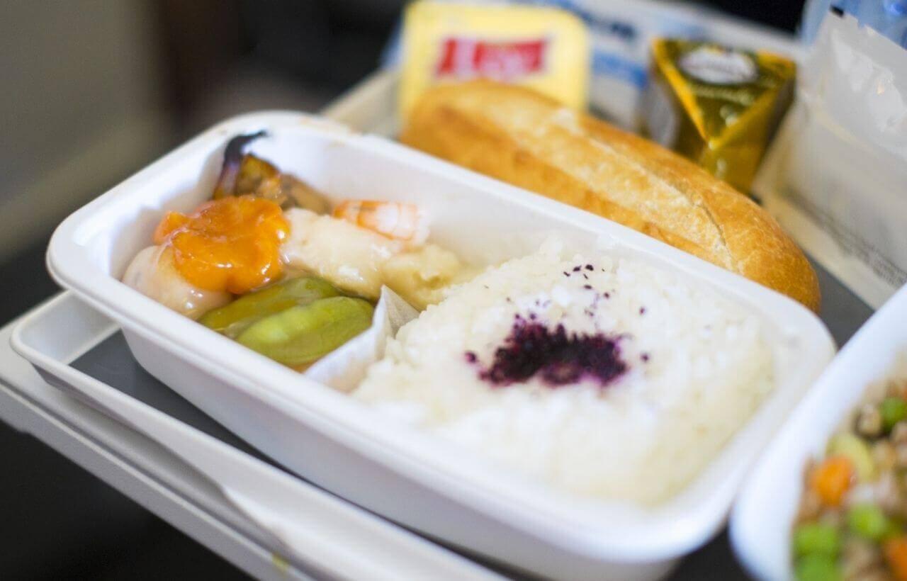 国際線エコノミークラス機内食