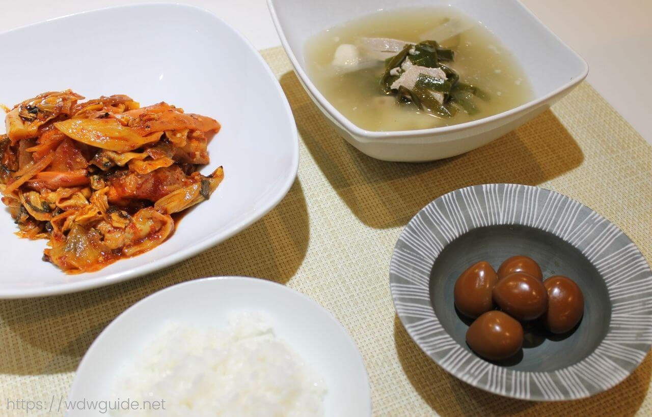 ワールドフレーバーのタッカルビ、ウズラの煮卵、豚クッパ