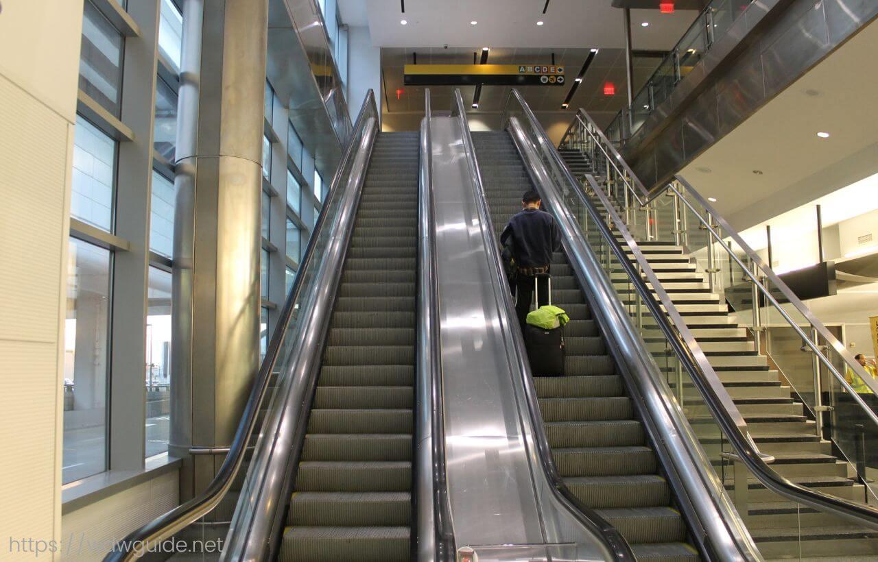 ヒューストン・ジョージ・ブッシュ・インターナショナル国際空港(IAH)内のエレベーター