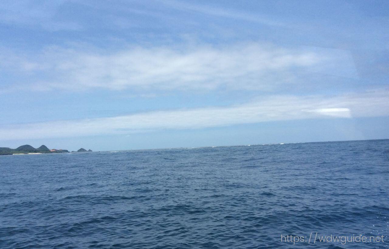 川平湾のグラスボートから見た海