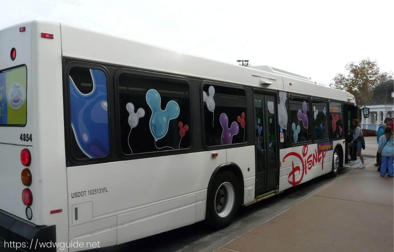 ウォルトディズニーワールドのバス
